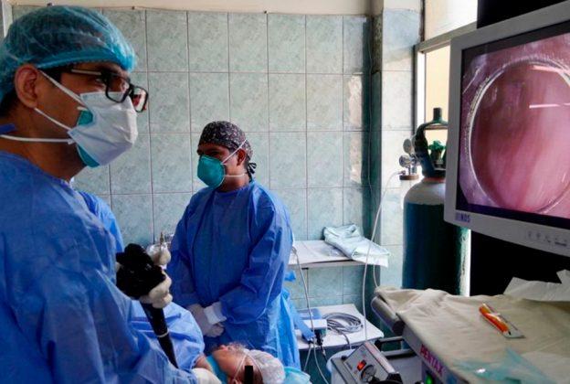 MINSA: ESPECIALISTAS DEL HOSPITAL HIPÓLITO UNANUE ELIMINAN CÁNCER GÁSTRICO TEMPRANO POR ENDOSCOPÍA
