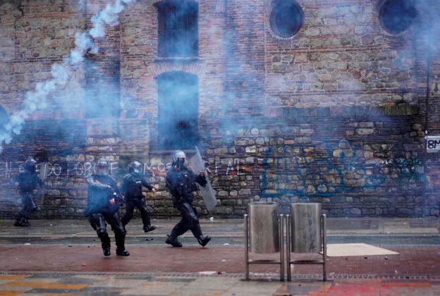 OTRO JOVEN COLOMBIANO MUERE EN JORNADA DE PROTESTAS Y DISTURBIOS EN COLOMBIA