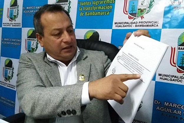 PRESENTAN SOLICITUD DE VACANCIA DEL ALCALDE DE LA MUNICIPALIDAD DE BAMBAMARCA MARCO ANTONIO AGUILAR VÁSQUEZ ANTE EL JNE
