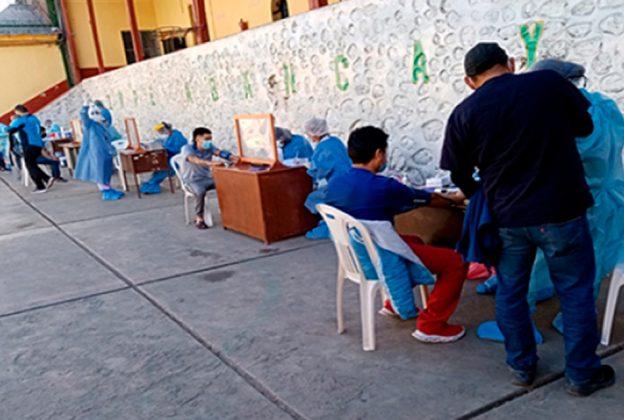 REALIZAN DESCARTE DE COVID-19 EN EL PENAL SAN IDELFONSO DE ABANCAY A UN PROMEDIO DE 400 INTERNOS