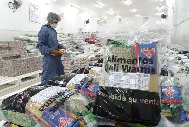 LORETO: MIDIS QALI WARMA ENTREGA MÁS DE 34 TONELADAS DE ALIMENTOS A LA MUNICIPALIDAD DISTRITAL DE YAVARÍ